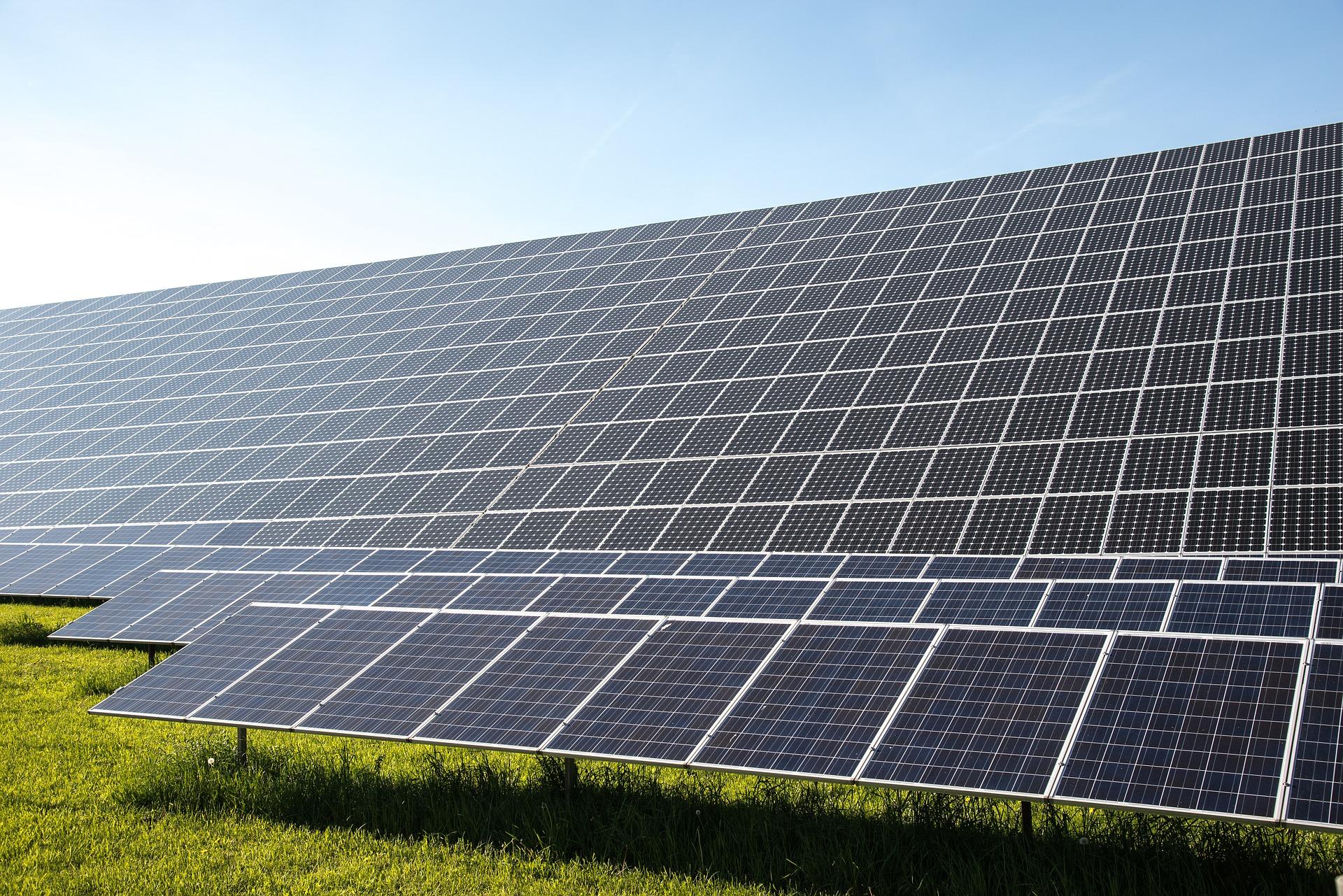 solar-cells-491703_1920